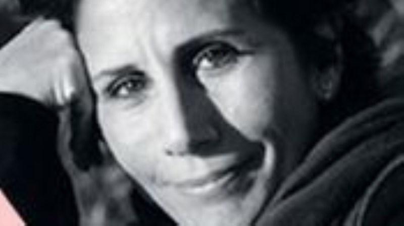 Andrea Demirjian (Kissing)