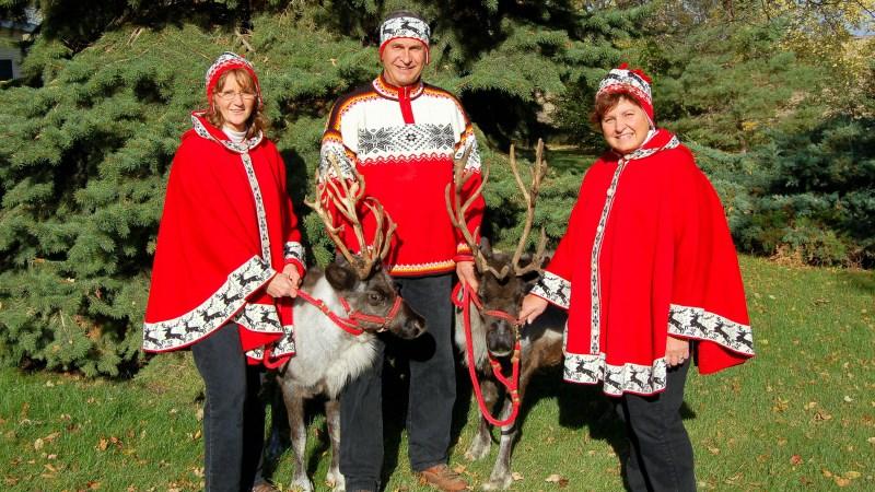 Daryl Simon (Crystal Collection Reindeer)